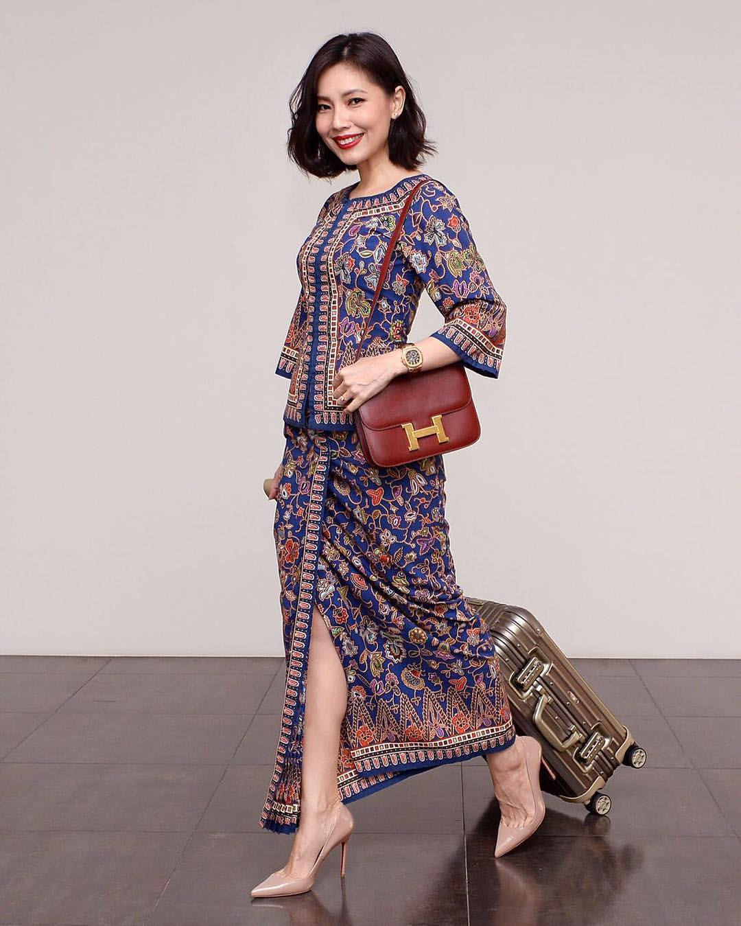 The Singapore Airlines sarong kebaya is special to Au, who was a Singapore Girl for 15 months before she was talent-spotted and quit flying for showbiz.