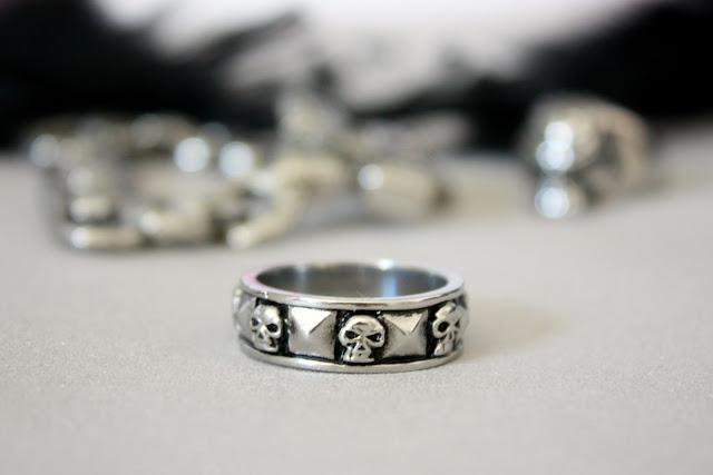 bague-skulls
