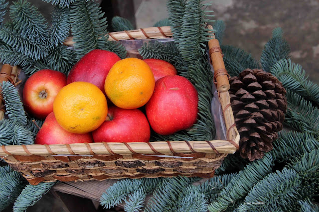 Christmas Decoration, apples, mandarins. Dresden Germany