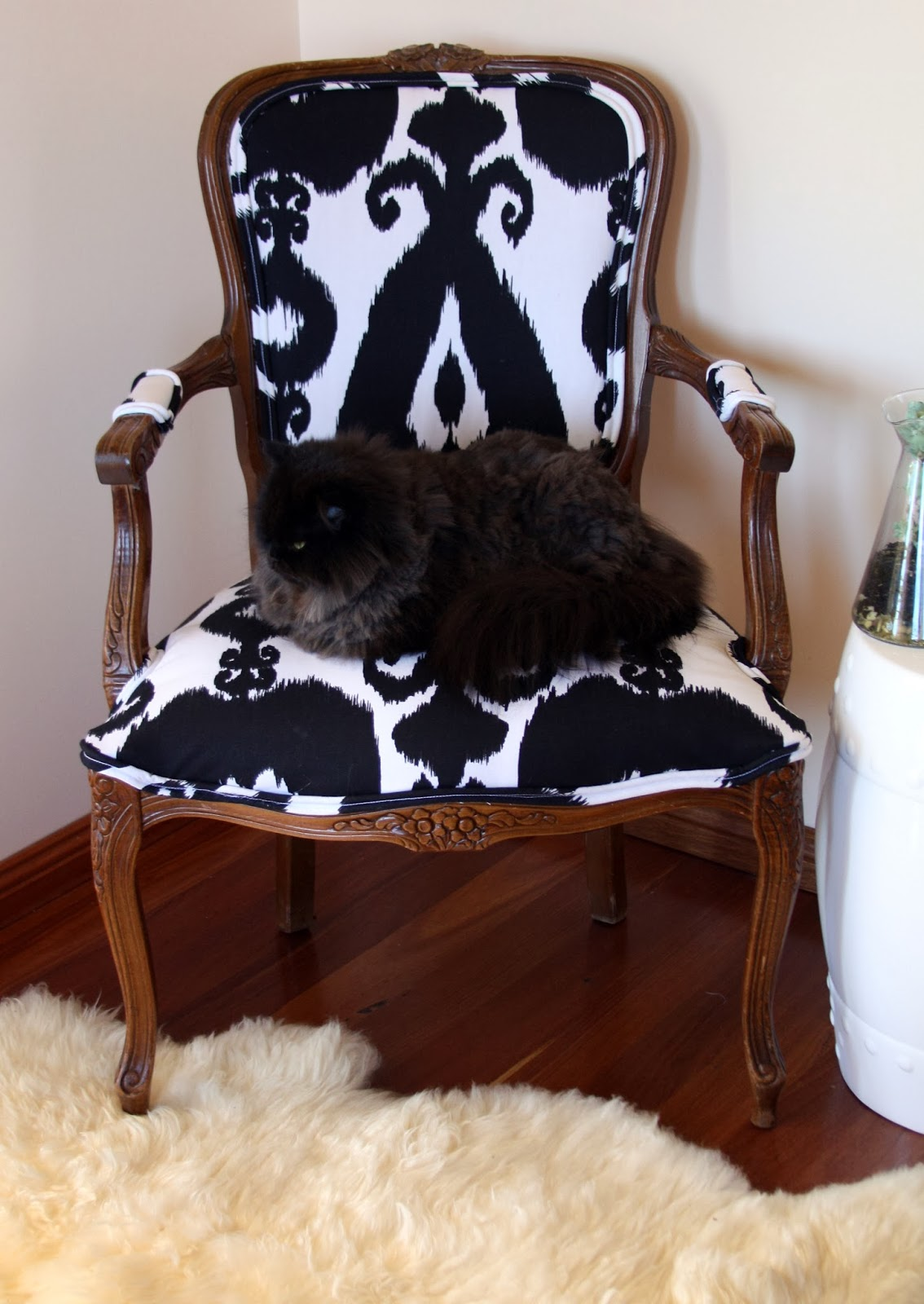 Stella+Olive: [DIY] A Frenchy Chic reupholstered Louis ...