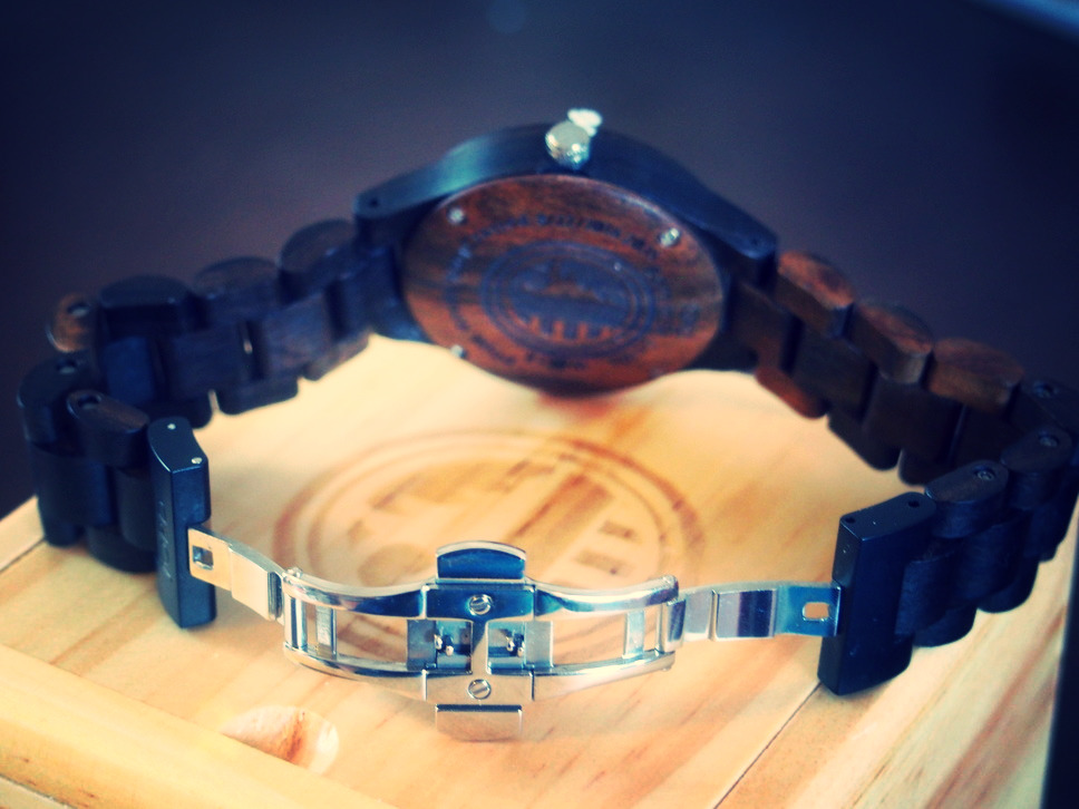 Vegan-friendly watch clasp