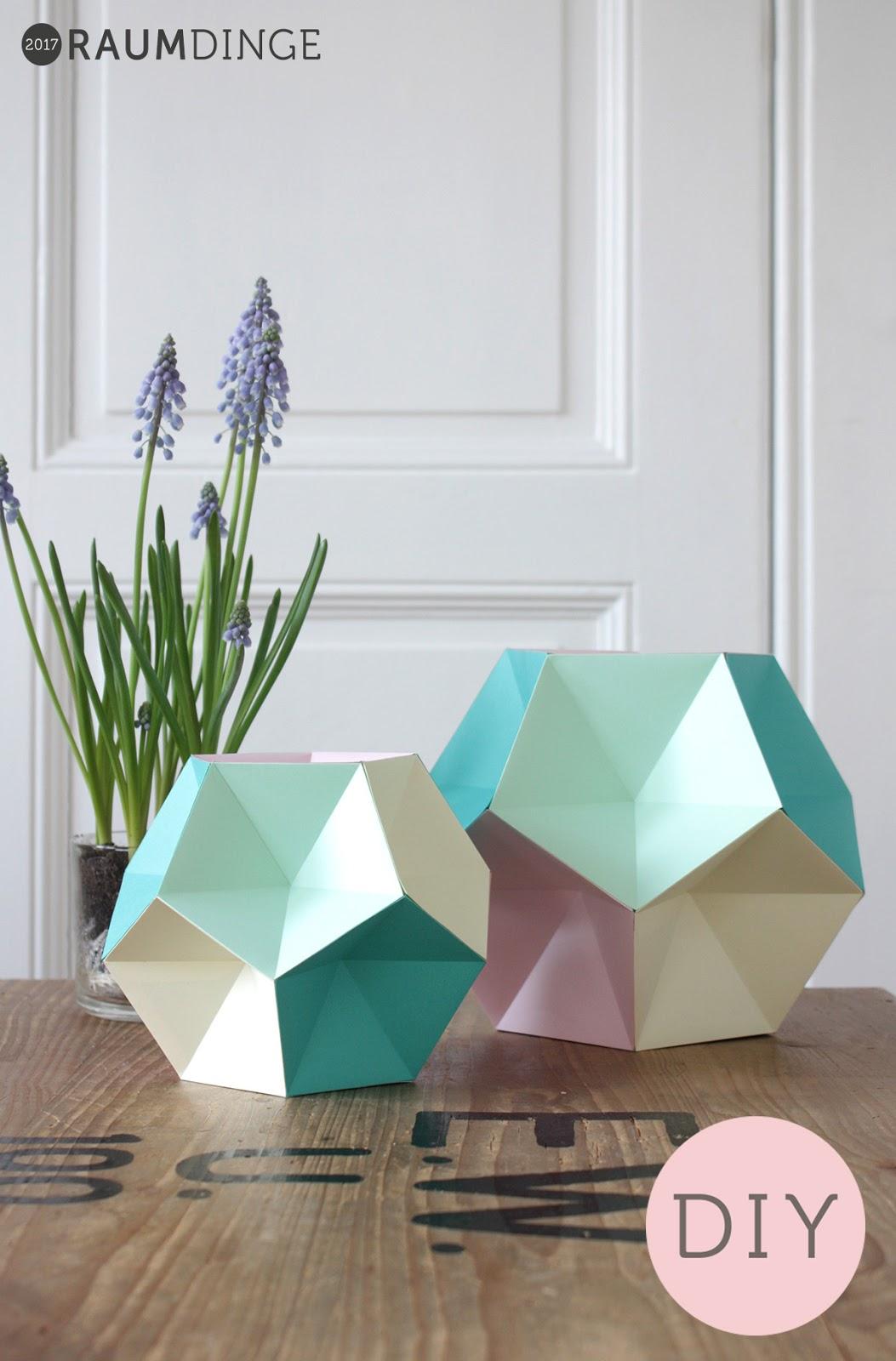 Raumdinge Papierkugeln Aus Fünfeckigen Pyramiden