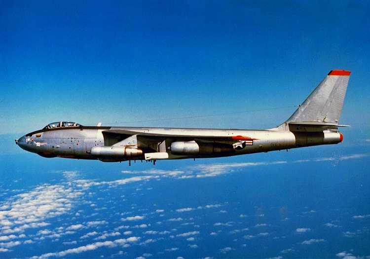 Boeing B-47 Stratojet döneminin en iyi 4 motorlu uçakları arasında başı çekiyordu.