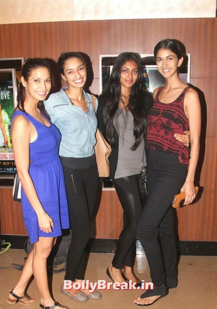 Prachi Mishra, Dayana Erappa, Krithika Babu, Reha Sukheja, Parvathy Omanakuttan, Purva Rana images in Tight Dresses from Pizza 3d Screening