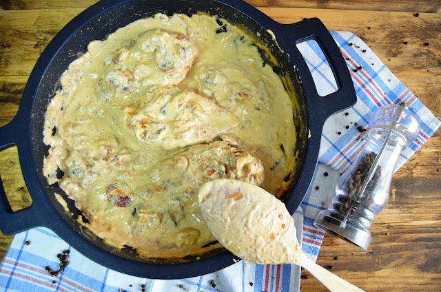 pechuga con champiñones y tomates seco, pollo con champiñones y tomates secos, recetas con champiñones, recetas con tomates secos, recetas de pollo, recetas de pollo en salsa, las delicias de mayte,