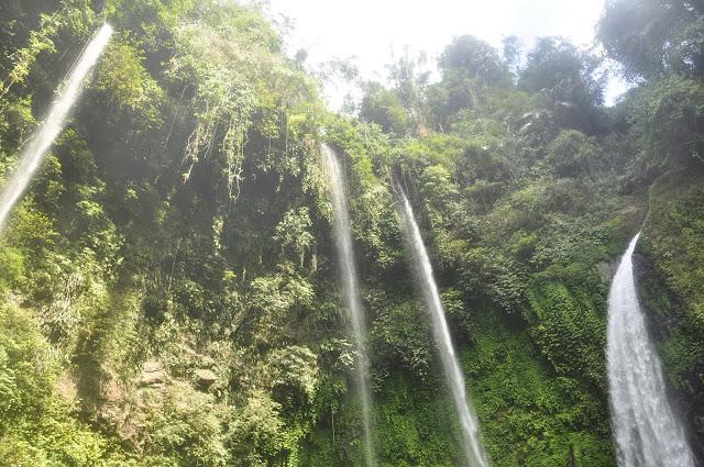 Wisata Alam Air Terjun Tekaan Telu Regesan (Tinoor) Tomohon