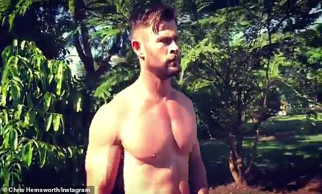 Chris Hemsworth goes shirtless, sends pulse racing (See Photos)