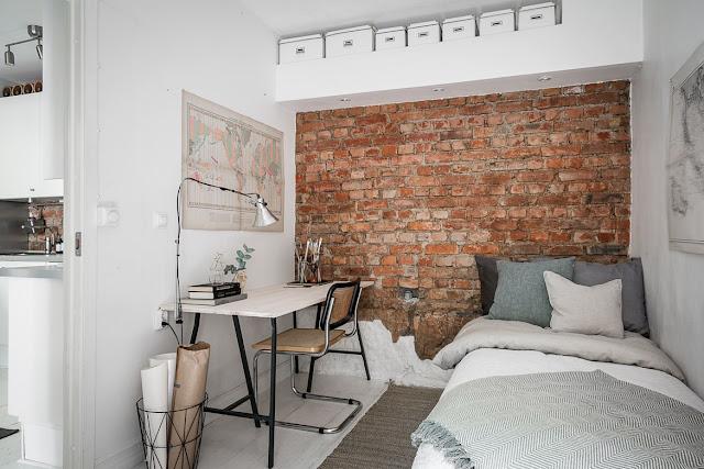 dormitor cu caramida expusa