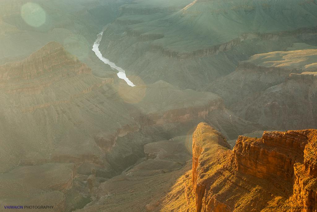 Si por aquí no están el Coyote y el Correcaminos, que me ahorquen. Gran Cañón del Colorado.