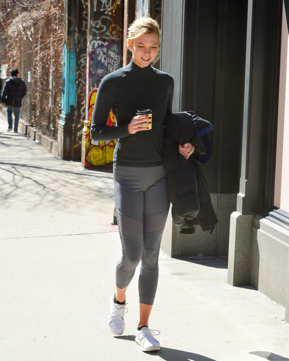Karlie Kloss in Leggings Leaves a Gym in New York 03/12/2019