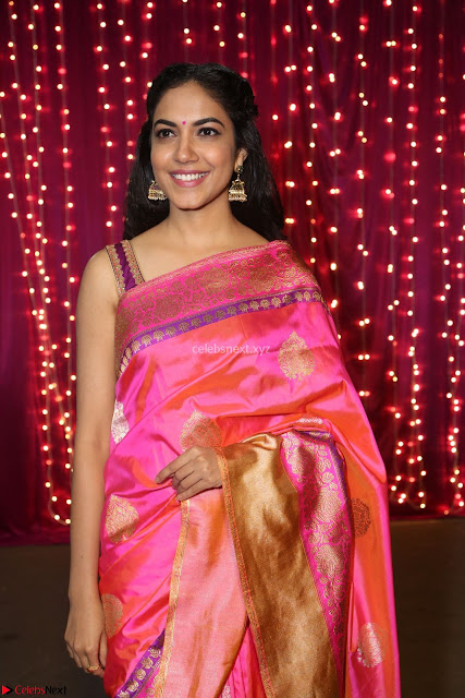 Ritu Varma in cute Kanjivaram Saree at Zee Telugu Apsara Awards 2017 01.JPG