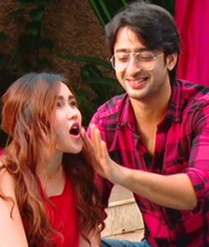 Shaheer Sheikh, Ayu Ting Ting and Soumya Seth Happens Love Triangle?