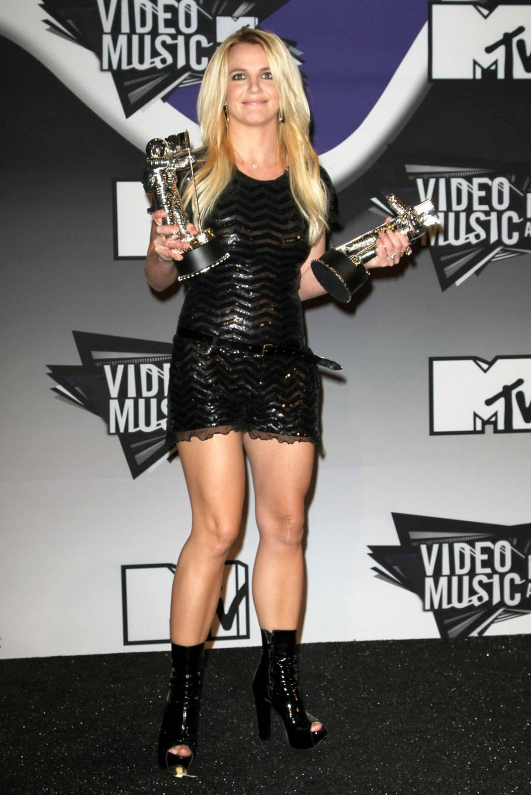 American Singer Britney Spears Hot Photos at Mtv Video ...