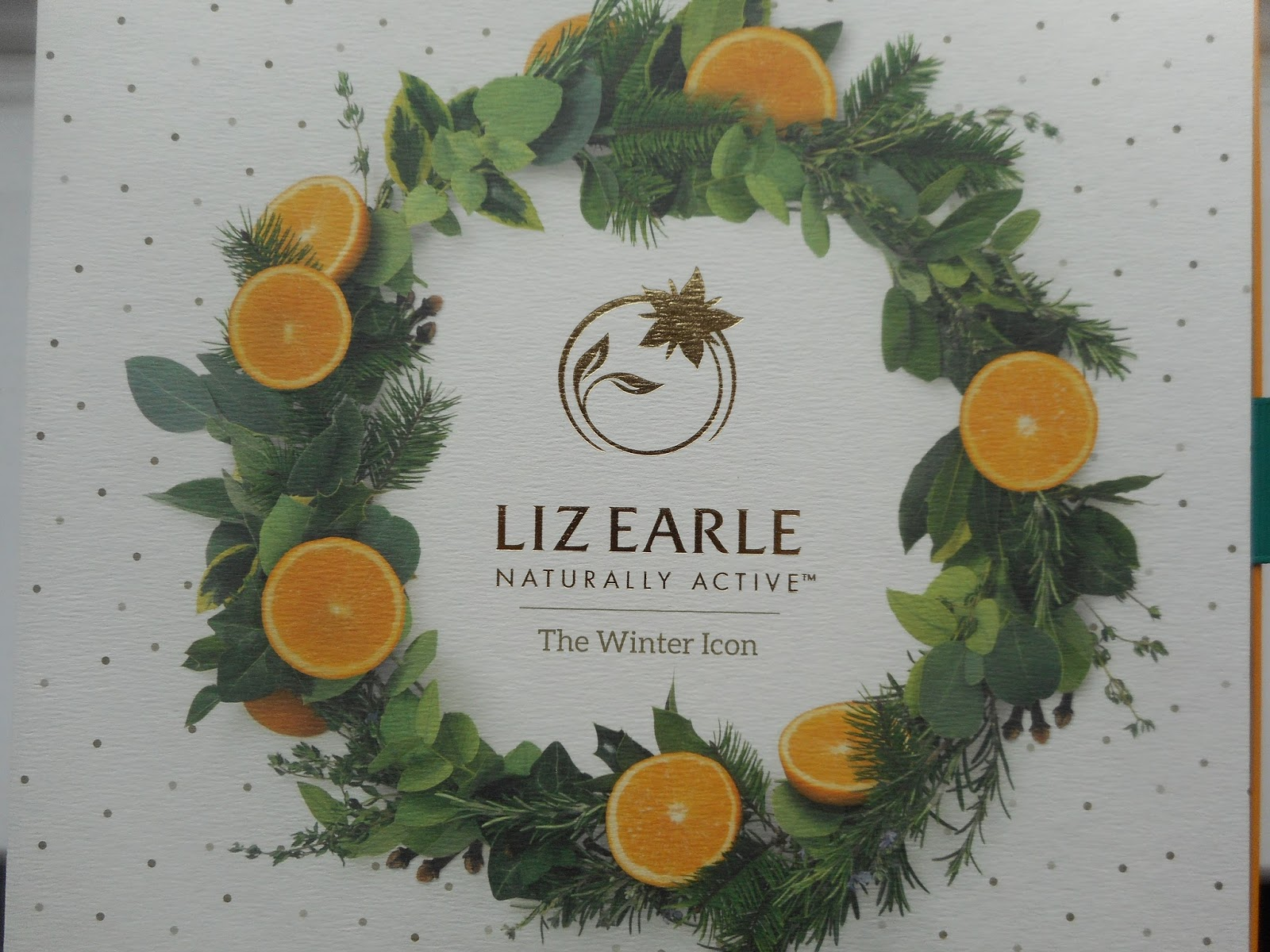 http://sophaarambles.blogspot.co.uk/2017/01/liz-earle-sweet-orange-clove-cleanse.html