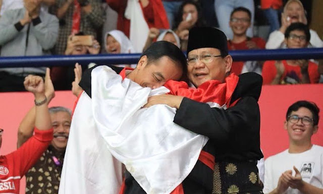 Singkat dan Dalam! Tulisan Prabowo Usai Pelukan dengan Jokowi