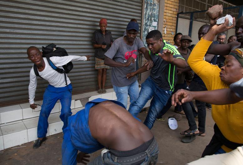 South African Mob kills Nigerians