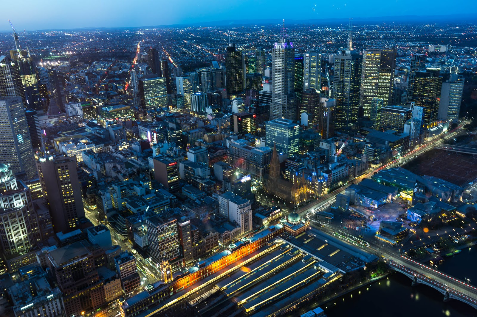 位於墨爾本南岸的尤利卡88大樓觀景台 拍攝墨爾本市區夜景
