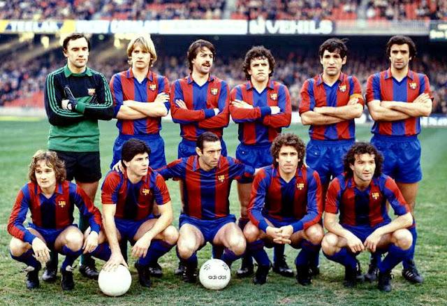 9b0bd7a7f8 Camiseta retro para el FC Barcelona inspirada en los 80