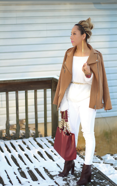 Casual outfit with a camel jacket