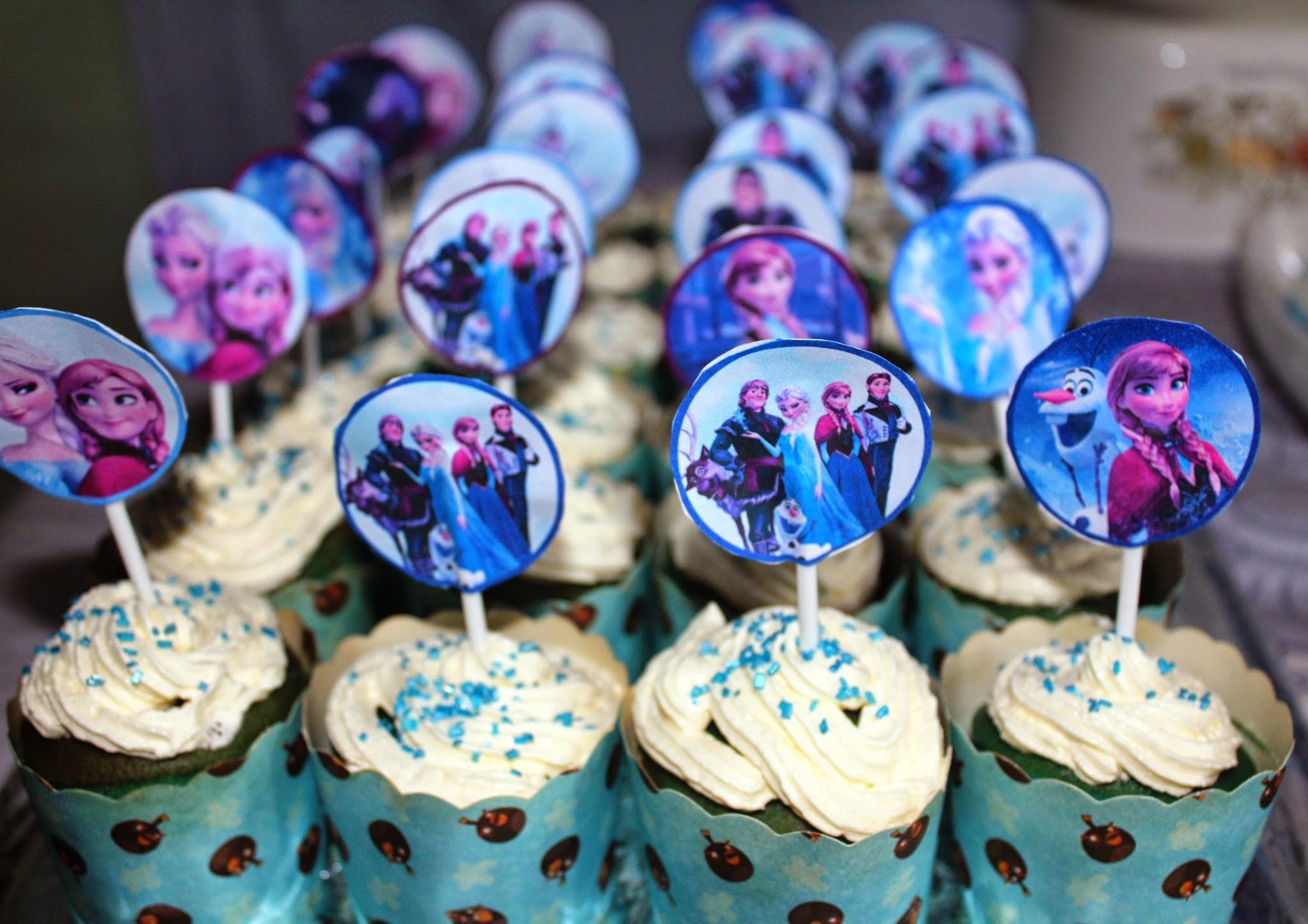 frozen vanilla cupcake, vanilla cupcake recipe, frozen birthday party,