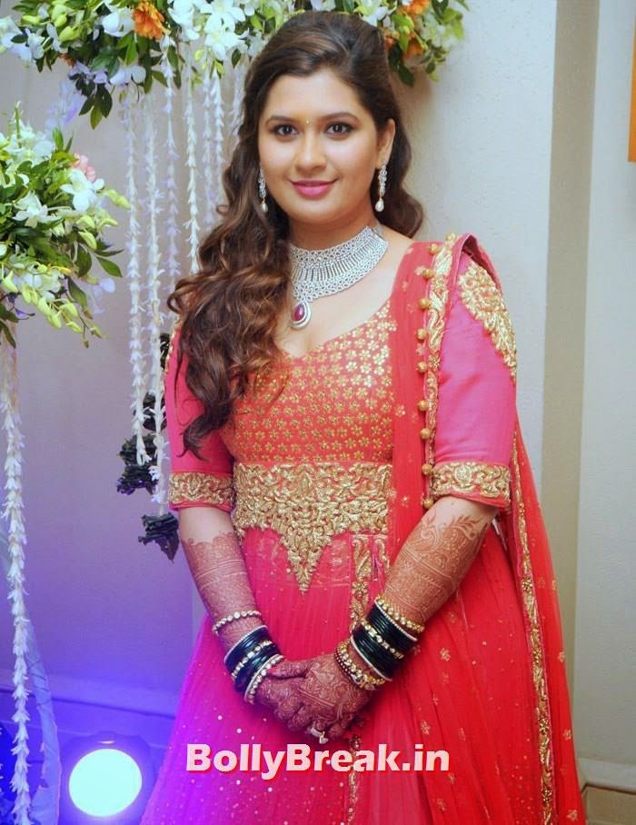 Manali Jagtap S, Manali Jagtap, Vicky Soor Engagement Ceremony Pics