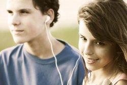 Atual geração de adolescentes poderá ter surdez precoce