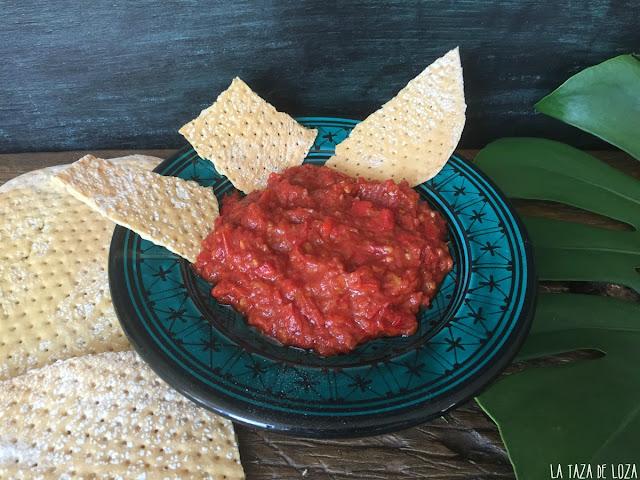 matbucha-dip-a-base-de-tomates-y-pimientos-rojos-con-regañás