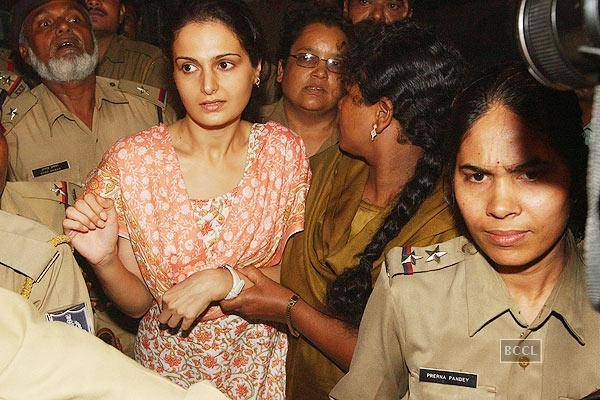 Top 5 Bollywood Celebrities who went to Jail In Hindi