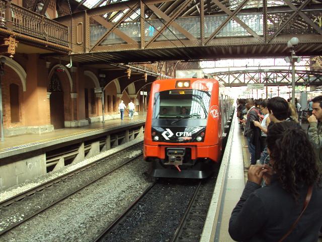 Resultado de imagem para Trem de passageiros entre Santos e São Paulo