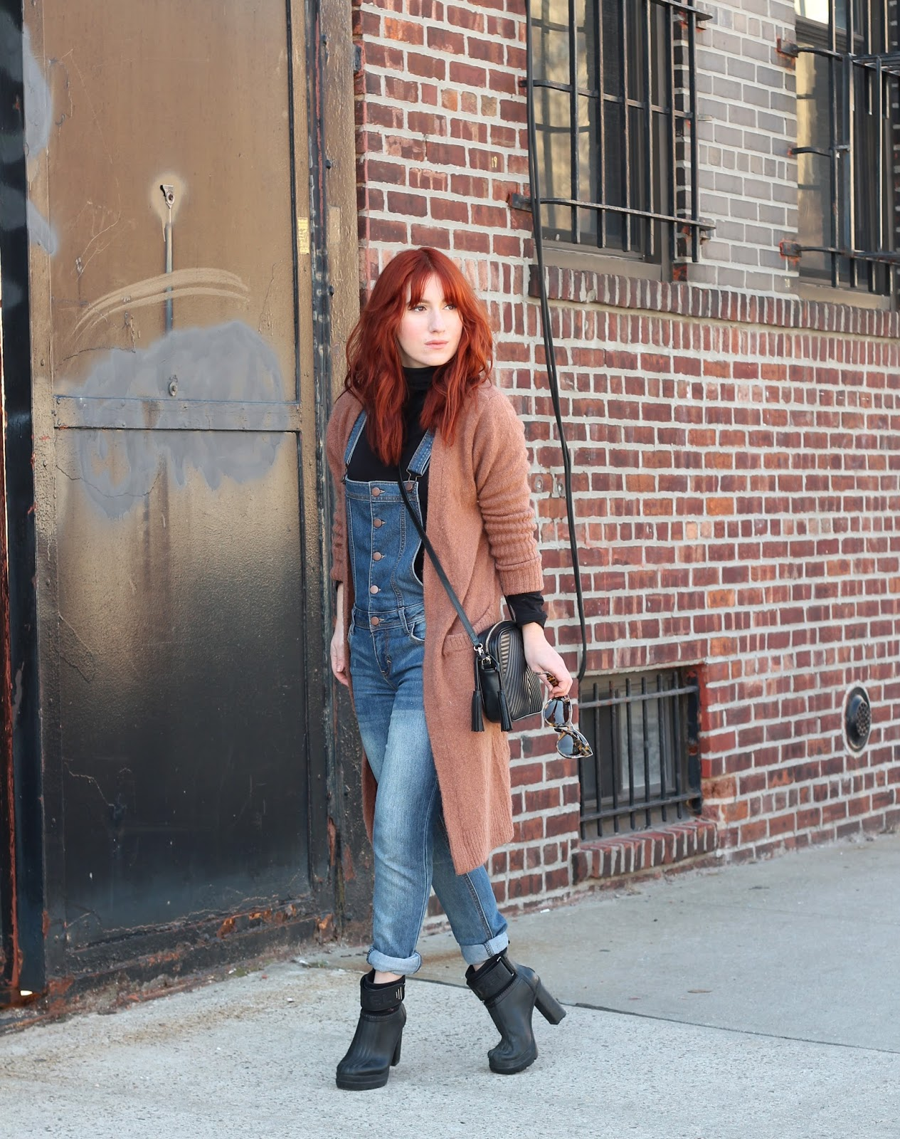 overalls, how to style overalls, cute overall outfits, overall outfit ideas, sorel medina outfits, chicwish sweater, overall style