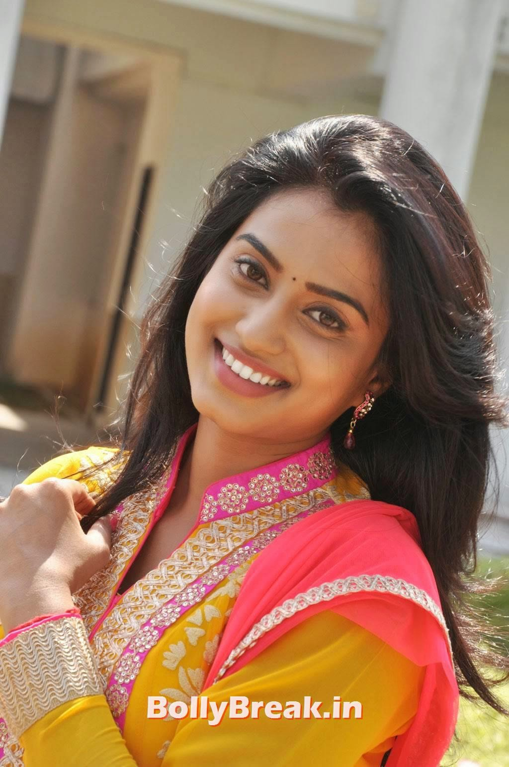 , Actress Dimple Chopade Latest hot Photo Gallery 2014