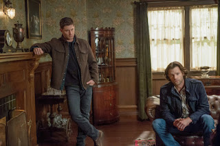 "Jensen Ackles as Dean Winchester and Jared Padalecki as Sam Winchester in Supernatural 14x05 ""Nightmare Logic"""