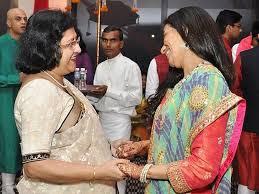 SBI-chairman-Arundhati-Bhattacharya-chanda-kochhar-mehendi