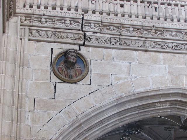 Catedral Nueva, detalle de medallón