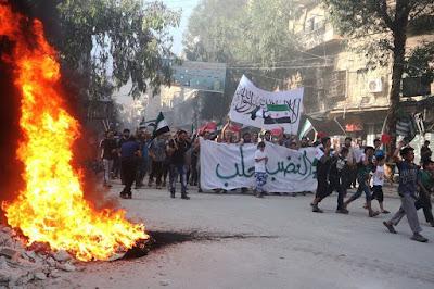 Ribuan Warga Sipil Sambut Jihadis Untuk Bebaskan Kota Aleppo