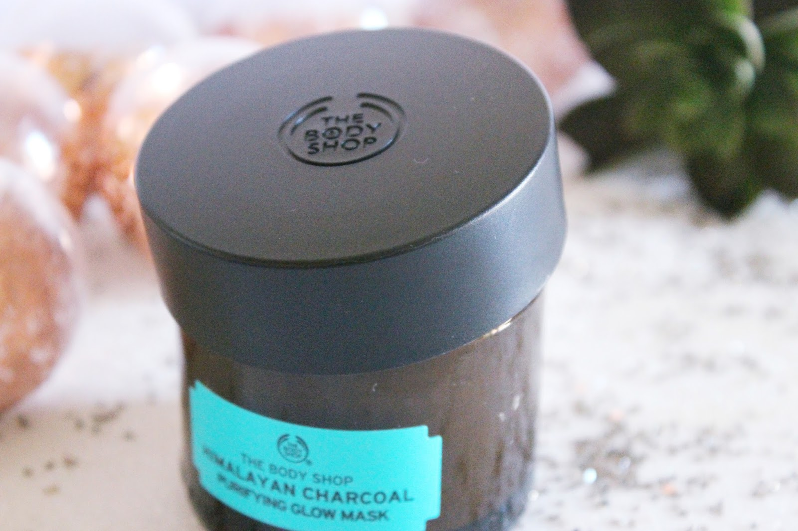The Body Shop Masque Purifiant Éclat au Charbon de Bois de l'Himalaya