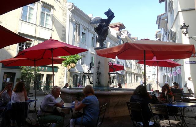 Kantorei Terrace Nike Fountain Neumarkt Zurich