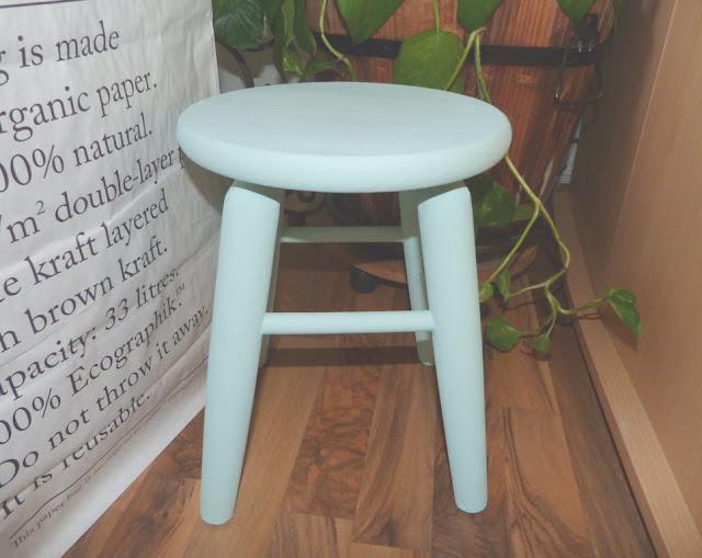 taburete-madera-chalk-paint