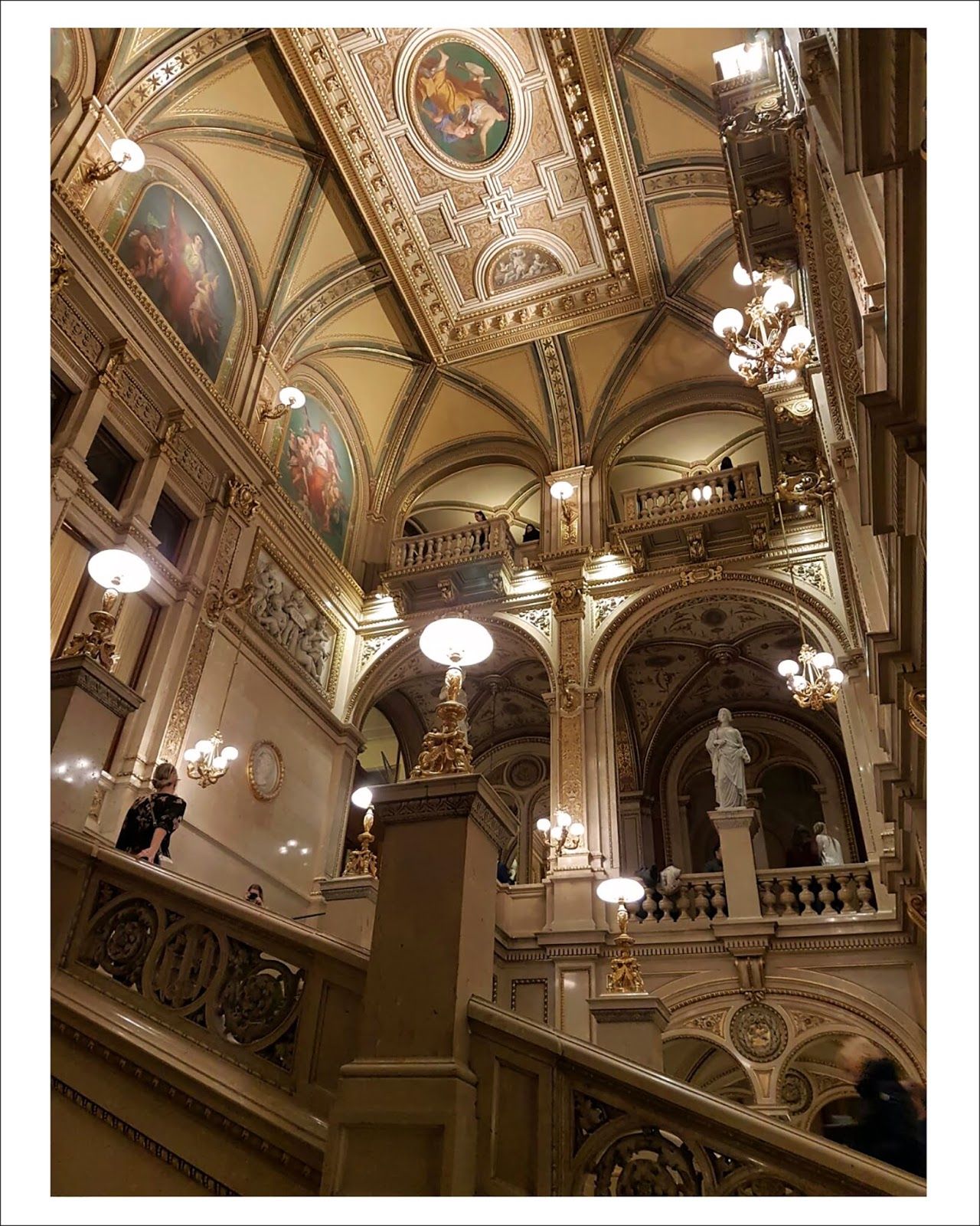 Euriental | luxury travel & style | Vienna State Opera, Austria