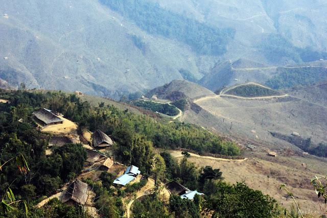 konyaks-in-the-burma-side-longwa-village-mon-nagaland-photo