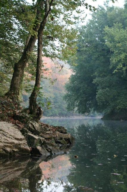 Echo River Spring at the Mammoth Cave in KY | Sign Me Up Sunday