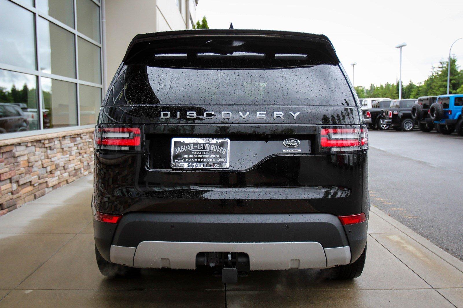 Giá Xe Land Rover Discovery Đời Mới nhất Model 2018 màu đen 7 chỗ