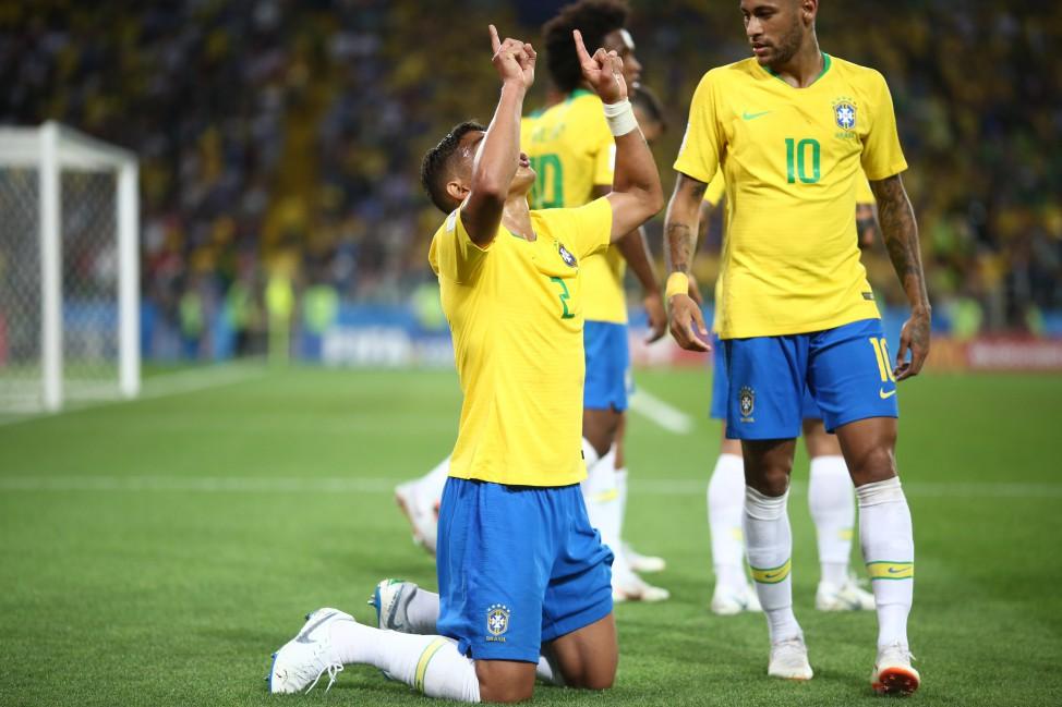 A Seleção Brasileira avançou na Copa do Mundo FIFA 2018 ao vencer a Sérvia  por 2 a 0 nesta quarta-feira (27) eb7817a1ea010