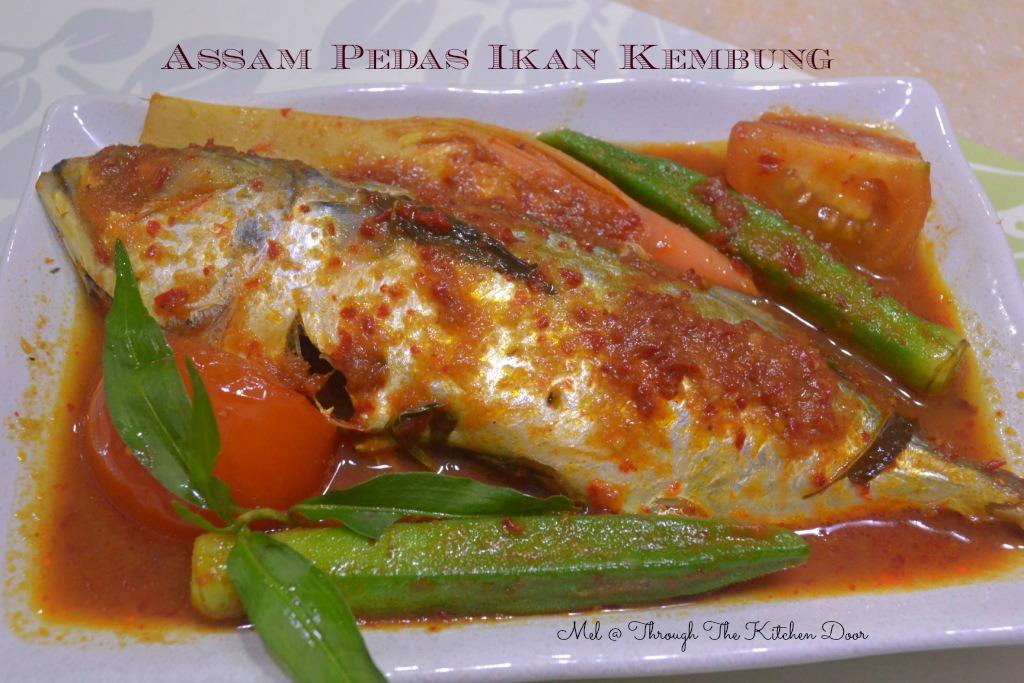 Through The Kitchen Door: ASSAM PEDAS IKAN KEMBONG