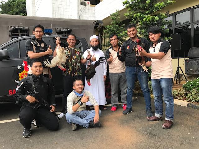 Team Eagle One Polres Metro Jaksel Lakukan Penangkapan Penjudi Sabung Ayam