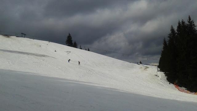 """Stacja narciarska """"Pilsko"""" - narciarzy jest niewiele (a dopiero 5 marca)"""