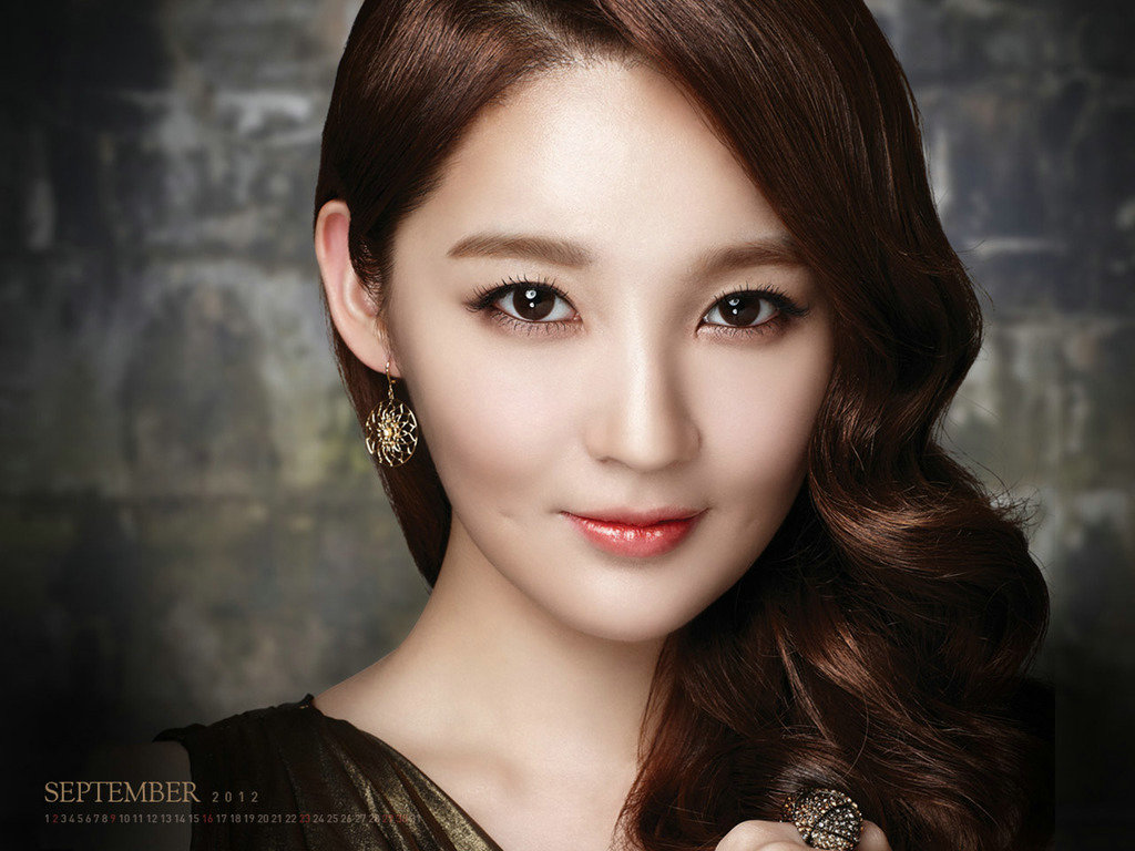 Kang Min Kyung is the epitome of class for International