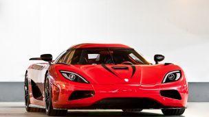 gambar Koenigsegg Agera Red-mobil tercepat 2014