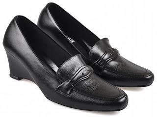 Sepatu Kerja  Wanita HNC 690