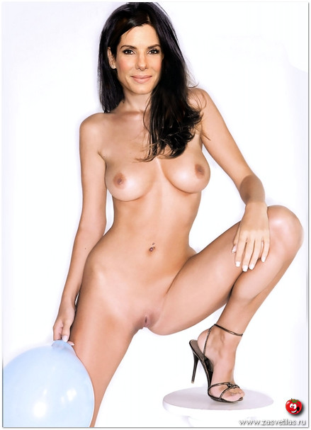 Сандра Буллок голая грудь